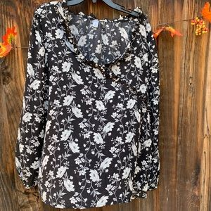 Old Navy black and long sleeves ruffled blouse